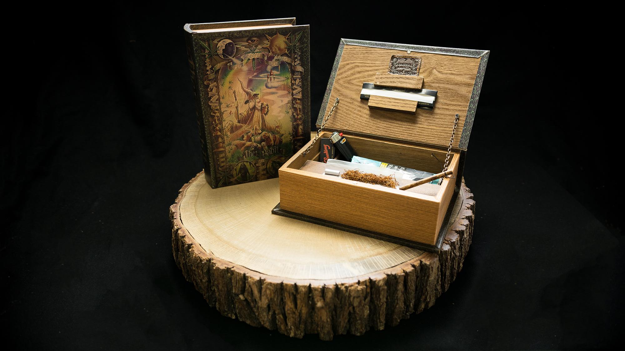 "B01 Book Box ""The Habit"""