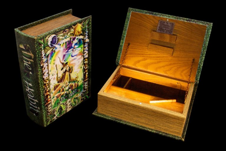 """Joint Buch Box """"The Habit"""""""