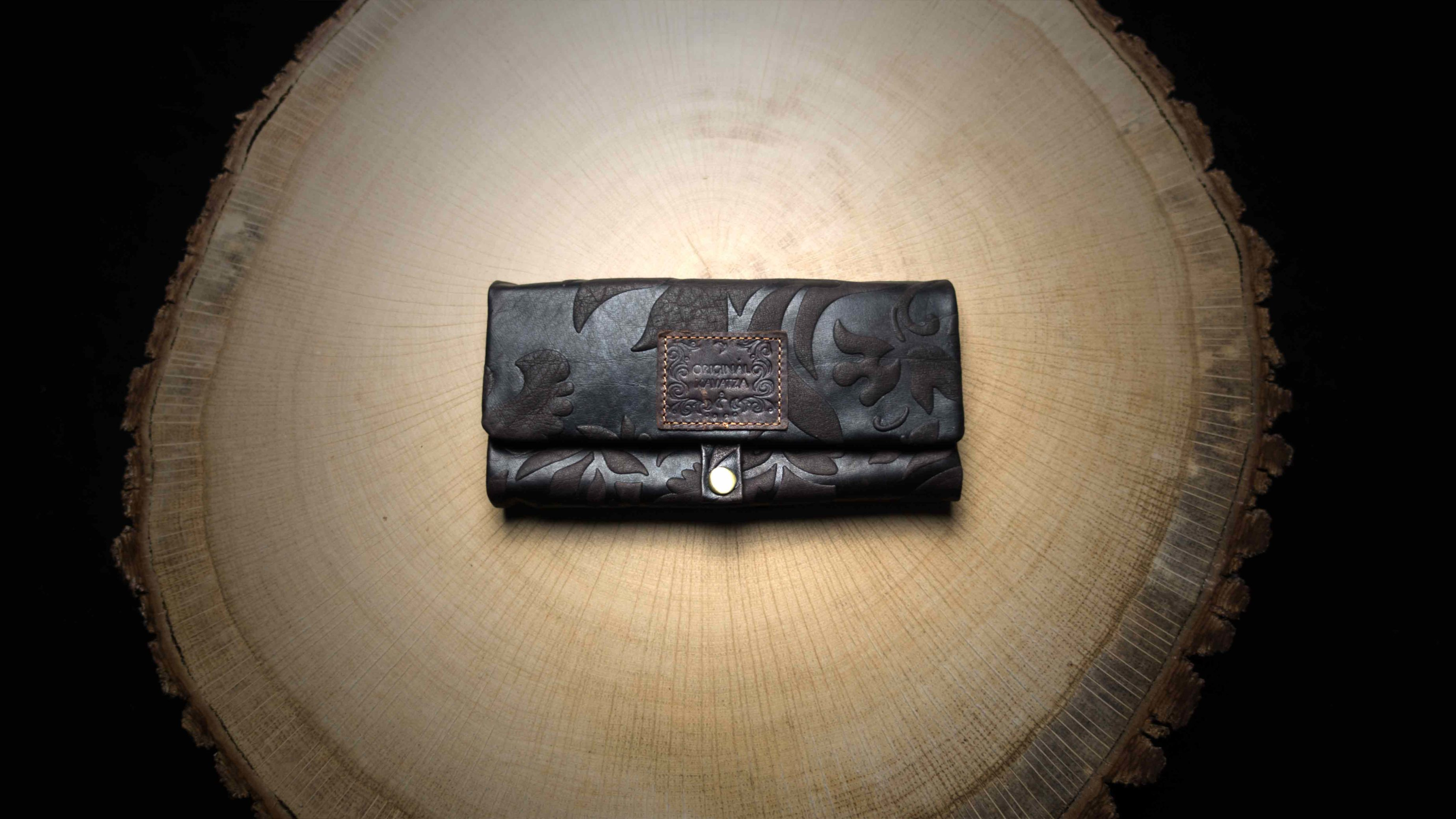"P18 Rolling Tobacco Pouch ""Lady"""