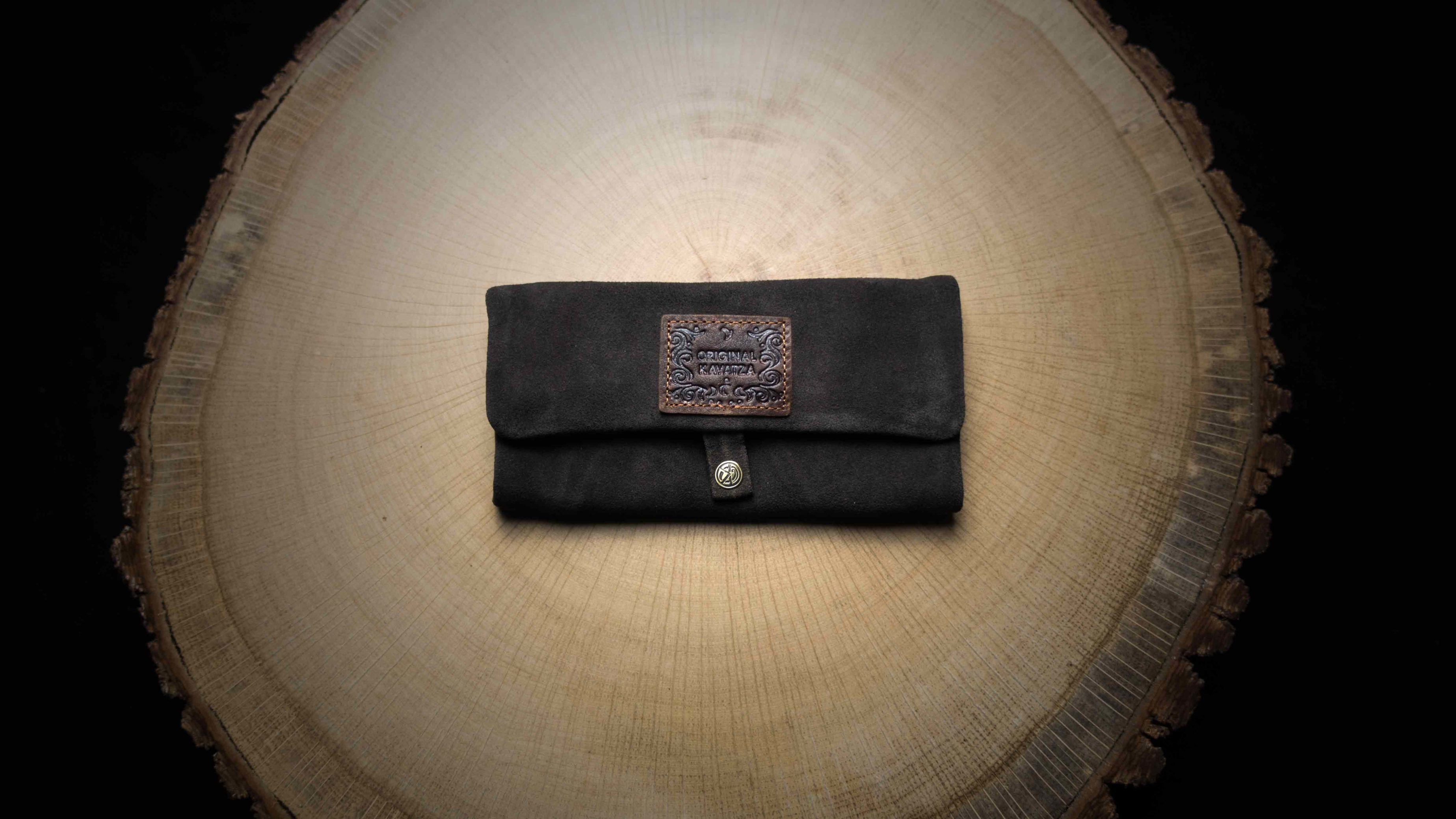 "P02 Rolling Tobacco Pouch ""Manousso"""