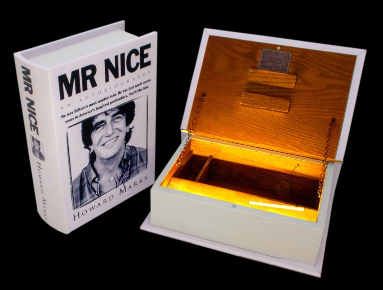 """Joint Buch Box """"Mr Nice"""""""