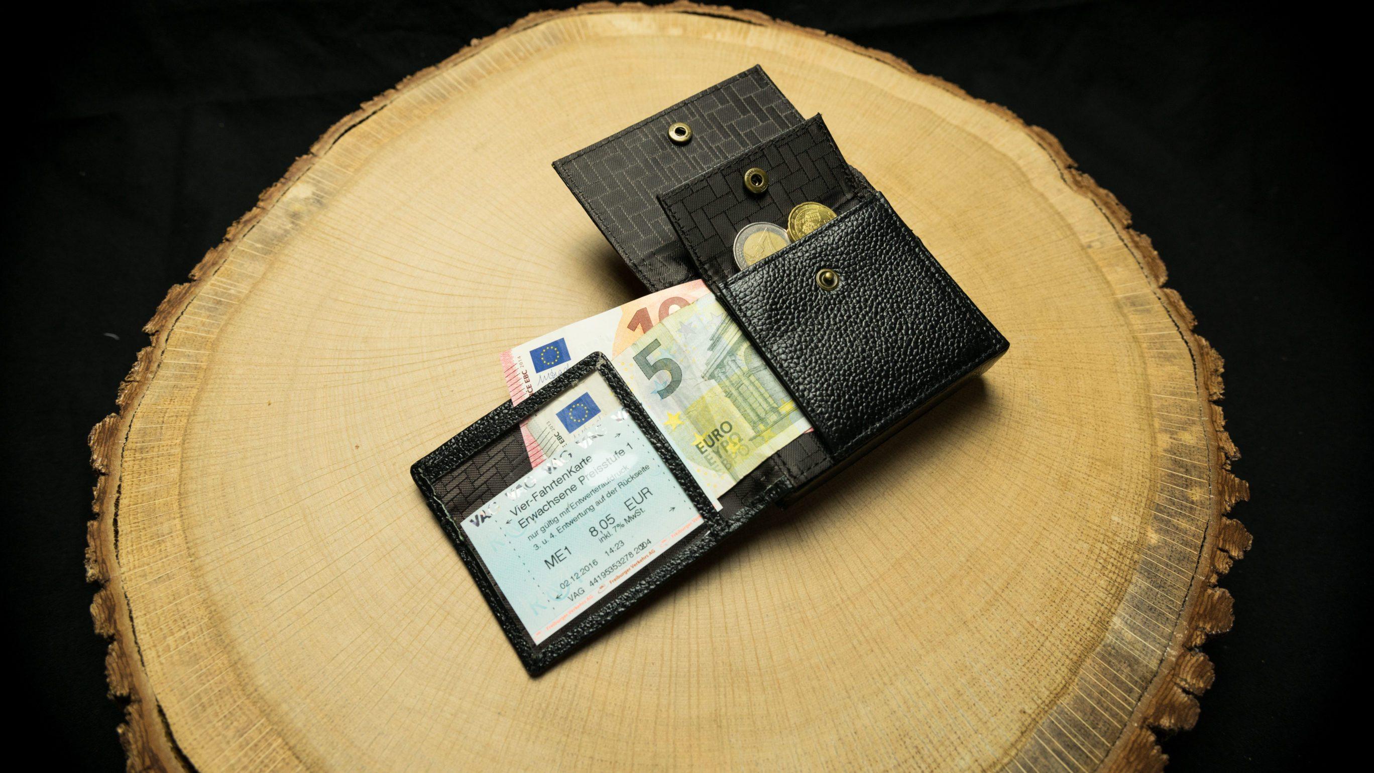 "CW01 Cigarette Wallet ""Classic"""