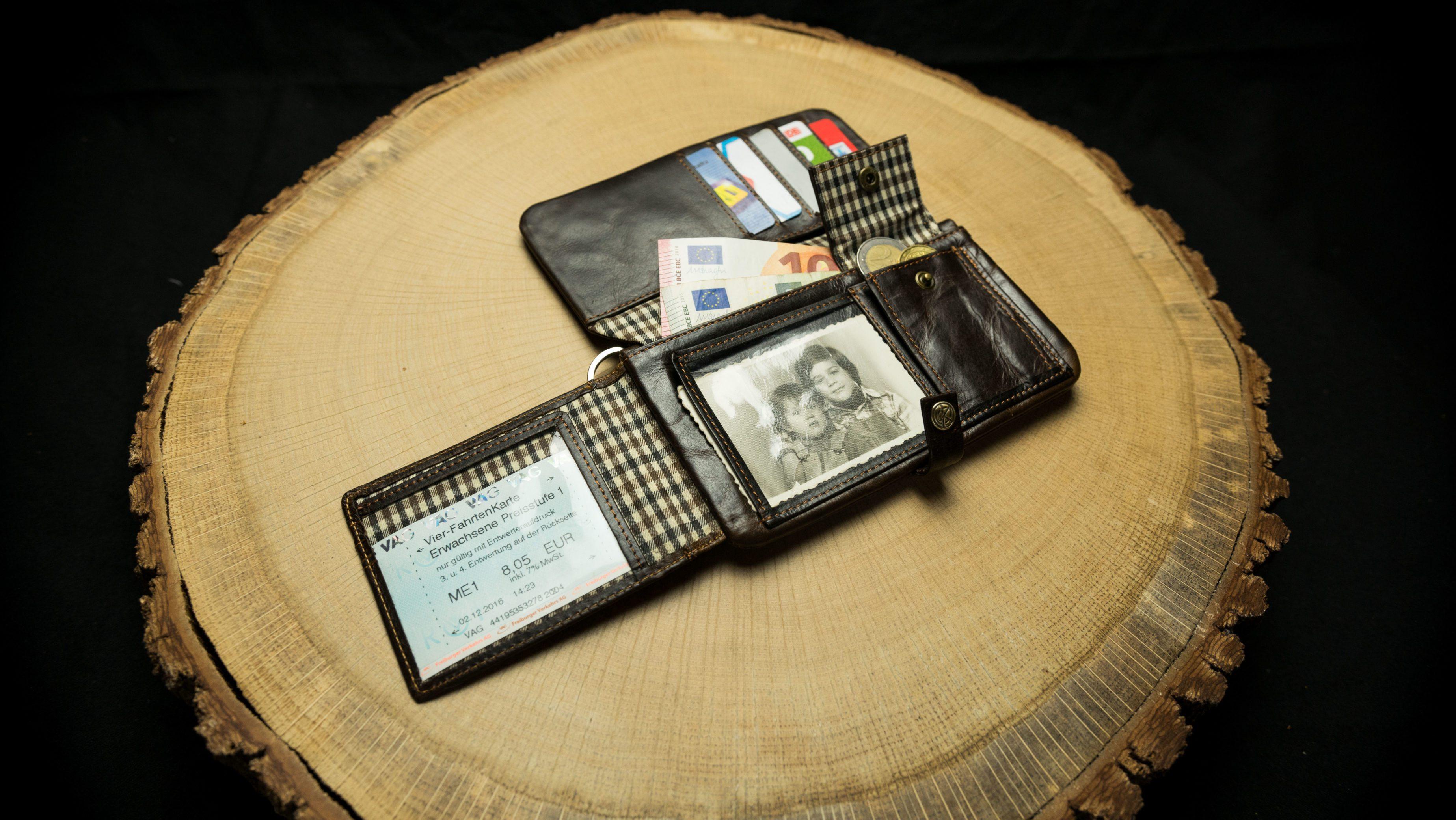 Tobacco Wallets