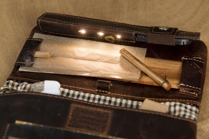 psw17 havana joint pouch wallet light